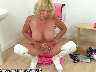 Bathroom Blonde Granny HD Mature MILF Nasty Oil