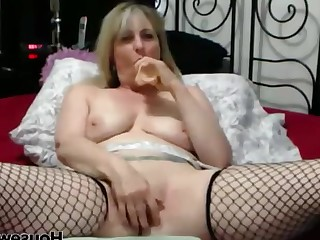 Cougar HD Housewife Mammy Mature MILF Orgasm Squirting